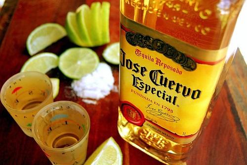 Tequila_20jose_20cuervo_20ouro_20e_20prata_original