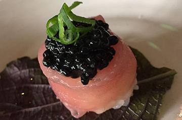 Atum_com_caviar