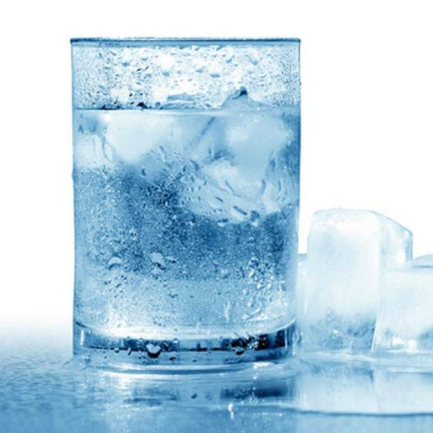 Agua-gelada-emagrece_gde__1_